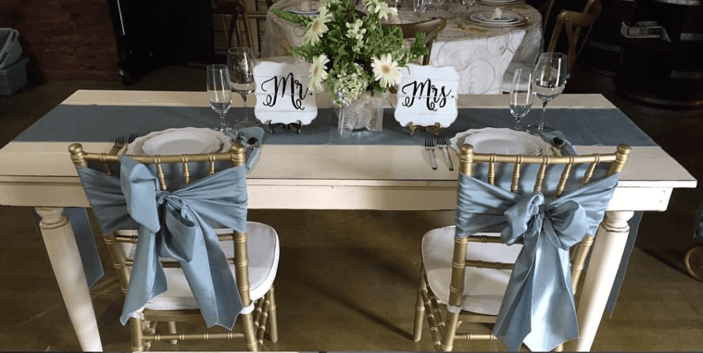 The Vintage Creme Sweetheart Table Decorated